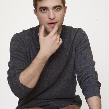 Nouveaux outtakes du shooting de Robert Pattinson pour Carter SMITH - Page 12 Aaahsnoj