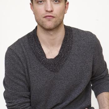 Nouveaux outtakes du shooting de Robert Pattinson pour Carter SMITH - Page 12 AaajN2kG