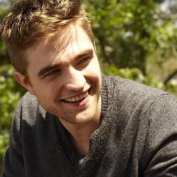 Nouveaux outtakes du shooting de Robert Pattinson pour Carter SMITH - Page 12 AaamnqsP