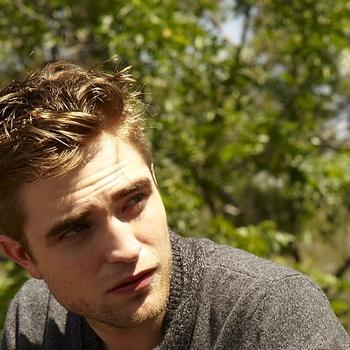 Nouveaux outtakes du shooting de Robert Pattinson pour Carter SMITH - Page 12 Aaar1SRZ
