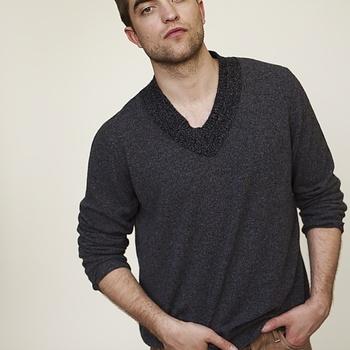 Nouveaux outtakes du shooting de Robert Pattinson pour Carter SMITH - Page 12 AaaviNgr