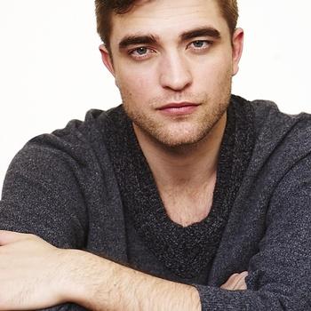 Nouveaux outtakes du shooting de Robert Pattinson pour Carter SMITH - Page 12 AaawnC4L