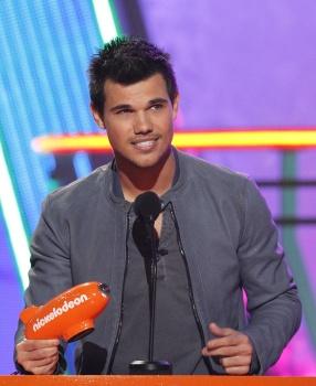 Kids' Choice Awards 2012 AaeemLqQ