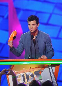 Kids' Choice Awards 2012 AalAI55W