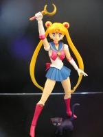 [Tamashii Nations] SH Figuarts Sailor Moon - Page 2 AbebWAjn