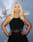 [Fotos+Videos] Christina Aguilera en la Premier de la 4ta Temporada de The Voice 2013 - Página 4 AbgF4eQS