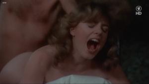 Lisa Foster, Maria Harper, Susie Silvey, Vicky Scott @ Fanny Hill (UK 1983) [720p HDTV]  AblvTRQK