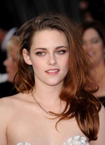 Kristen Stewart - Imagenes/Videos de Paparazzi / Estudio/ Eventos etc. - Página 31 AbmuiVp8