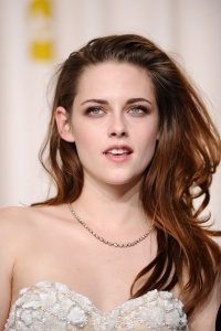 Kristen Stewart - Imagenes/Videos de Paparazzi / Estudio/ Eventos etc. - Página 31 Abqeg617
