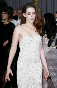 Kristen Stewart - Imagenes/Videos de Paparazzi / Estudio/ Eventos etc. - Página 31 AbqegKRs