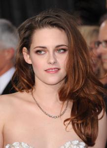 Kristen Stewart - Imagenes/Videos de Paparazzi / Estudio/ Eventos etc. - Página 31 AbrnXFdn