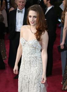 Kristen Stewart - Imagenes/Videos de Paparazzi / Estudio/ Eventos etc. - Página 31 Abv34wLG