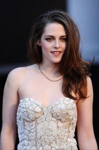 Kristen Stewart - Imagenes/Videos de Paparazzi / Estudio/ Eventos etc. - Página 31 Abv70BKJ