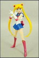 [Tamashii Nations] SH Figuarts Sailor Moon - Page 2 AbvQkkVK