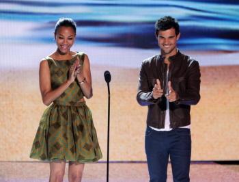 Teen Choice Awards 2012 AbvRVdTd