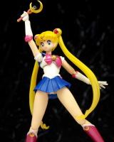 [Tamashii Nations] SH Figuarts Sailor Moon - Page 2 Abw2REaq