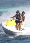 Bill et Tom en vacances aux Maldives Janvier 2010 AbzcBsrY