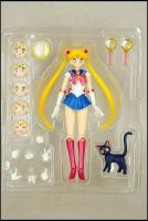[Tamashii Nations] SH Figuarts Sailor Moon - Page 2 AcdBLSgx