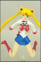 [Tamashii Nations] SH Figuarts Sailor Moon - Page 2 AcdkZv2u