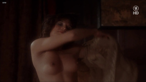 Lisa Foster, Maria Harper, Susie Silvey, Vicky Scott @ Fanny Hill (UK 1983) [720p HDTV]  AchmjqUx