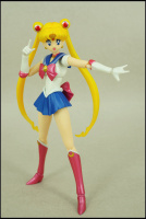 [Tamashii Nations] SH Figuarts Sailor Moon - Page 2 Aci6MeWC