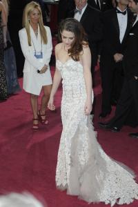 Kristen Stewart - Imagenes/Videos de Paparazzi / Estudio/ Eventos etc. - Página 31 AckdpCqY