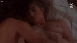Lisa Foster, Maria Harper, Susie Silvey, Vicky Scott @ Fanny Hill (UK 1983) [720p HDTV]  AcvMnM7b