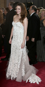 Kristen Stewart - Imagenes/Videos de Paparazzi / Estudio/ Eventos etc. - Página 31 AdimcreD