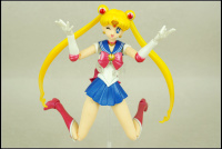 [Tamashii Nations] SH Figuarts Sailor Moon - Page 2 AdonUJt5