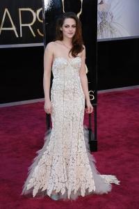 Kristen Stewart - Imagenes/Videos de Paparazzi / Estudio/ Eventos etc. - Página 31 AdrlCklV
