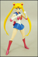 [Tamashii Nations] SH Figuarts Sailor Moon - Page 2 AdsjCf45