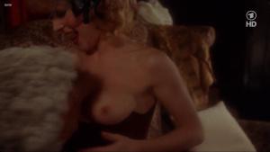 Lisa Foster, Maria Harper, Susie Silvey, Vicky Scott @ Fanny Hill (UK 1983) [720p HDTV]  Aduk5Cgm