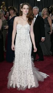 Kristen Stewart - Imagenes/Videos de Paparazzi / Estudio/ Eventos etc. - Página 31 AdyUhDJv
