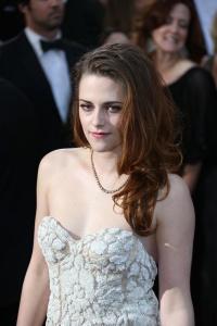 Kristen Stewart - Imagenes/Videos de Paparazzi / Estudio/ Eventos etc. - Página 31 AdyxbKwf