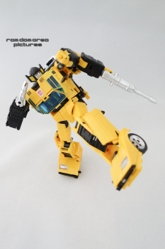 [BadCube] Produit Tiers - OTS-08 Sunsurge (aka Sunstreaker/Solo G1) + OTS-Special 01 Blaze (aka Sunstreaker/Solo Diaclone) - Page 4 NRfoBtAH