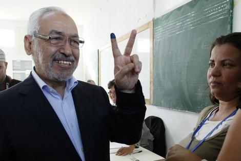 """النتائج الأولية تُظهر تقدم """"النهضة"""" الإسلامية في الانتخابات التونسية Rashedghannouchi_602166676"""