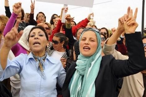 احتجاجات نسائية في تونس بعد محاولة سلفيين منع الاختلاط بالجامعات Tunisianwomenn_763617253