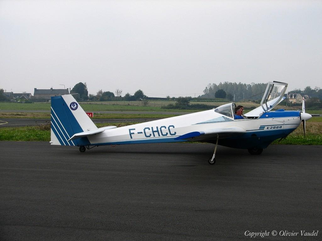 """Les avions que couvrent les pilotes """"Jeunes Ailes"""" - Page 7 9220"""