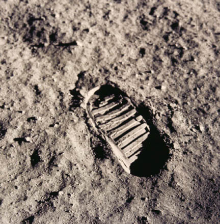 Fue el hombre a la Luna ?? - Página 2 Neil_armstrong_footprint