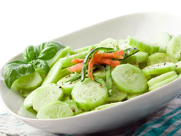 இன்று நீங்கள் என்ன  சமையல் சாதம்(  அரட்டை வேடிக்கை ) 05-cucumbersalad