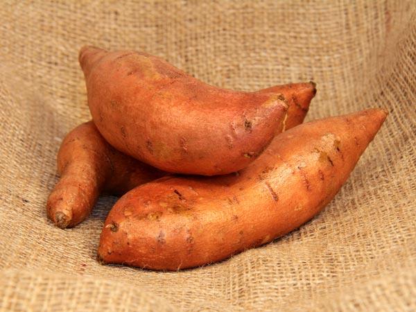 'ரா'வா.. இதை சாப்பிட்டுப் பாருங்க.. சூப்பரா இருக்கும்! 19-1384857266-12-sweetpotato