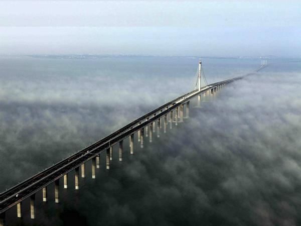 உலகின் விந்தையான சாலைகள், பாலங்கள்!   18-1366266004-danyangkunshan-grand-bridge
