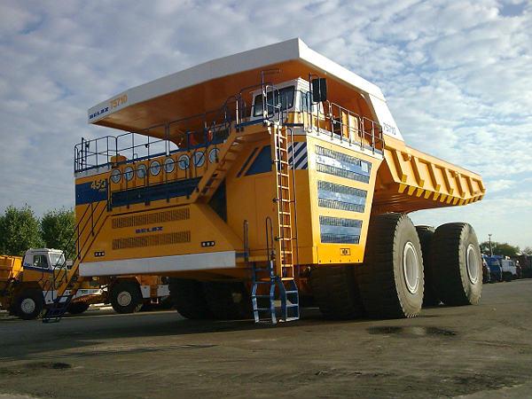 பிரமிப்பில் ஆழ்த்தும் உலகின் மிகப்பெரிய மோட்டார் வாகனங்கள்! 28-1398684181-dump-truck