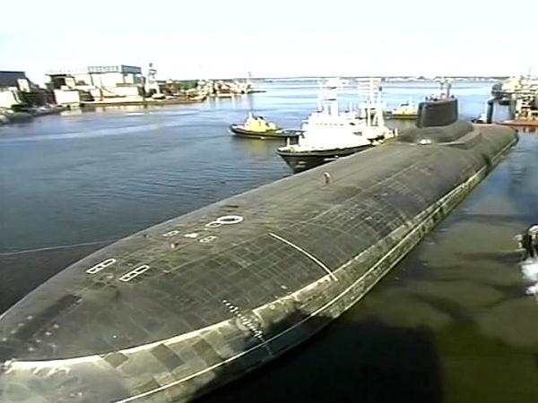பிரமிப்பில் ஆழ்த்தும் உலகின் மிகப்பெரிய மோட்டார் வாகனங்கள்! 28-1398684224-submarine