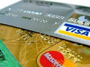 டெபிட், கிரெடிட் கார்டுகளை பாதுகாப்பாக வைத்துக் கொள்வது எப்படி? 17-credit-card