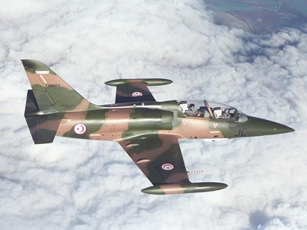 القوات المسلحة التونسية *شامل* Armee-de-l-air