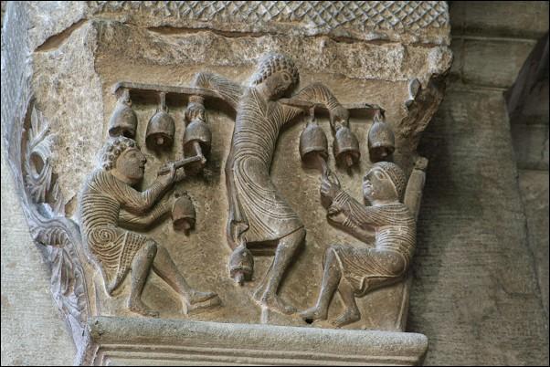 El demonio en el románico - Página 8 Tintinnabulum-01