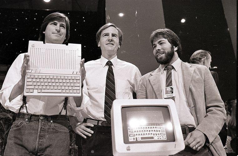 Conheça a trajetória profissional de Steve Jobs Stevejobs_trajetoria_f_005