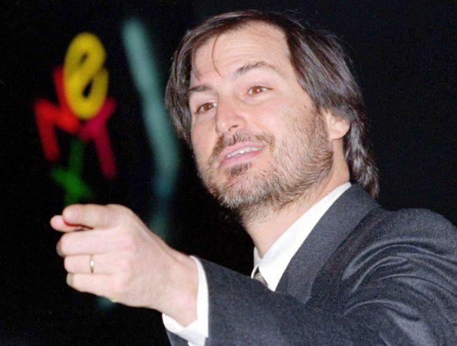 Conheça a trajetória profissional de Steve Jobs Stevejobs_trajetoria_f_010