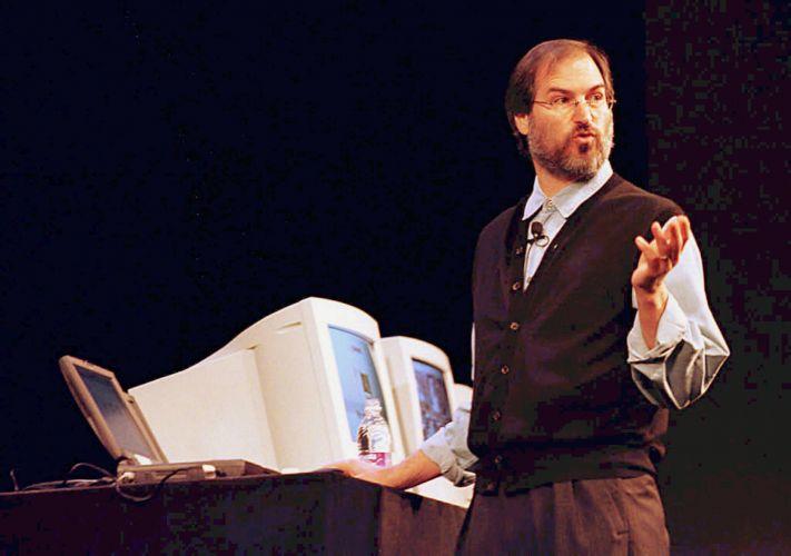 Conheça a trajetória profissional de Steve Jobs Stevejobs_trajetoria_f_012